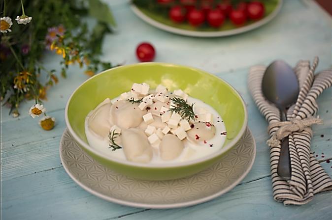 Молочный суп с варениками с картошкой